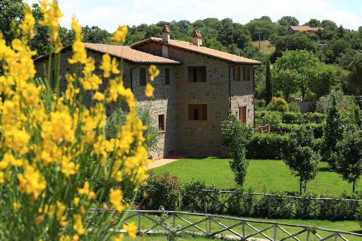 Farm-house in Tuscany in a Hamlet