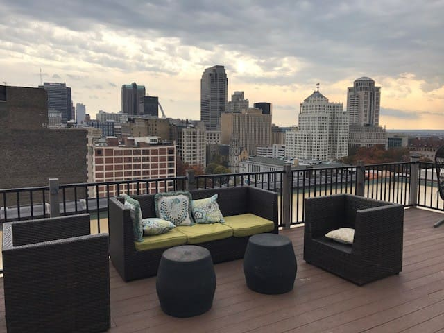 Top of Washington Avenue Downtown St. Louis