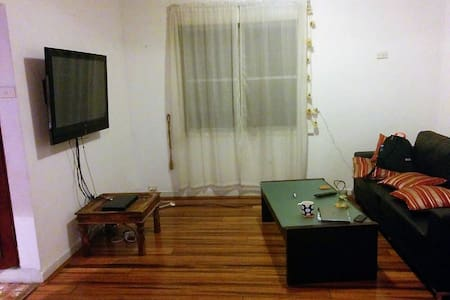 Big private room in refurbished house in Redfern. - Alexandria - House