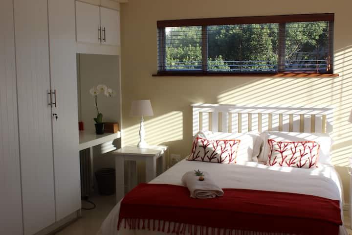2xSunny & airy rooms on 1st floor
