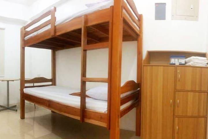UST Apartment at Alfredo 44 - Manila - Appartement