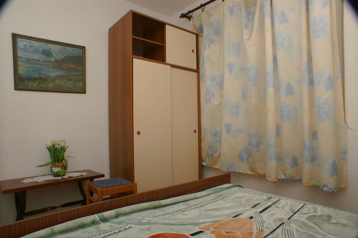 Bedroom 3, Surface: 10 m²