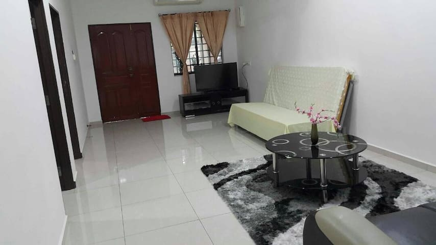 Cosy home near Skudai Tasek Mall