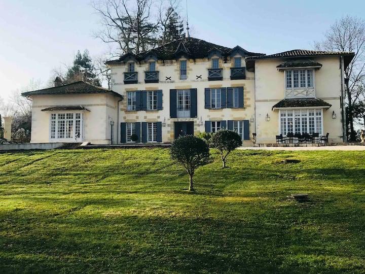 Maison le Barradis piscine a Monbazillac Perigord