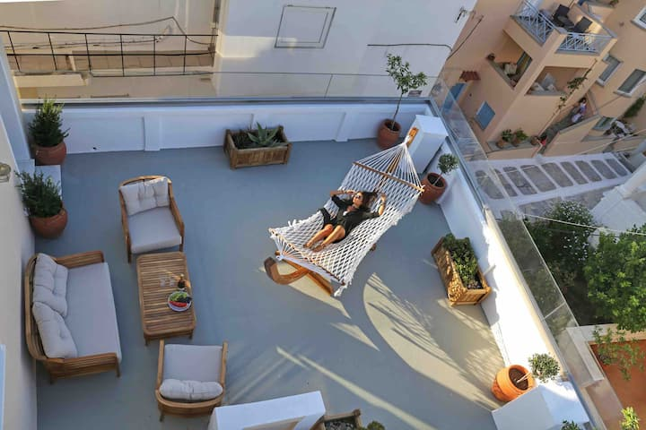 Neoclassical 60m2 Apartment in Andros Town