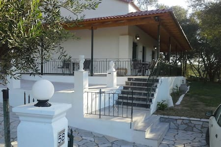 The Vine House, detached 2 bed villa, sea view . - Perivoli - Villa
