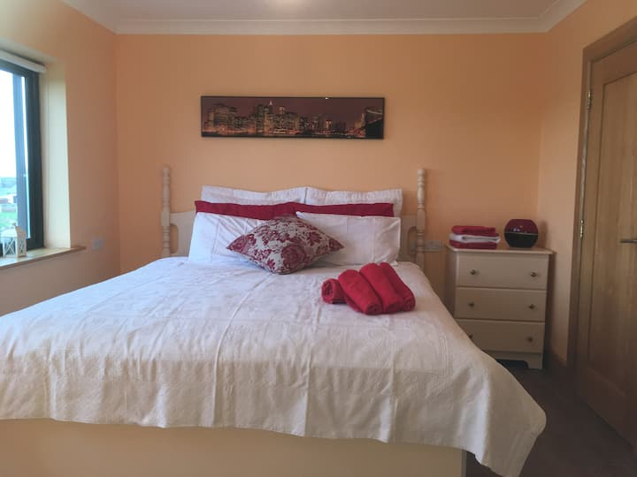 The Gleams -6km from M6 - 2 Bedrooms  / 2 Ensuite