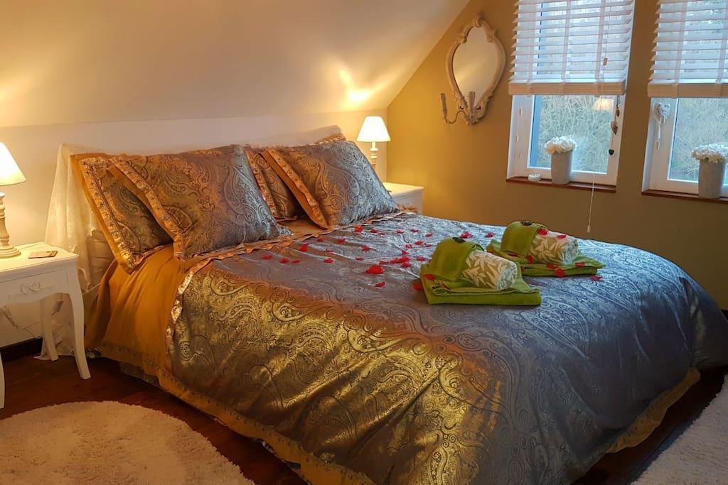 Cosy romantic Bedroom