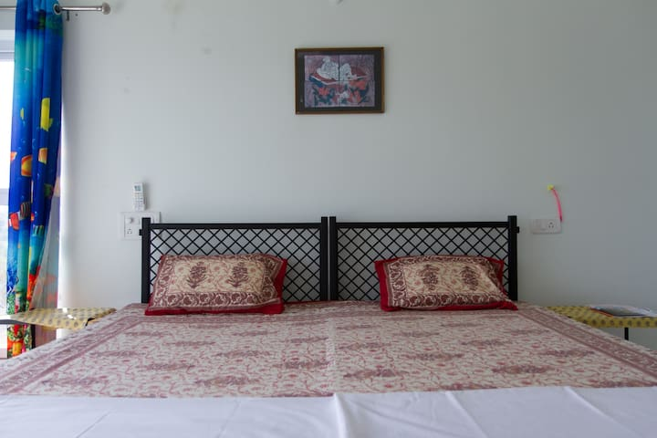 MATRASHISH 2 ROOMS,VIEW,B/F,PICK & DROP A/PORT - Dabolim - Vila