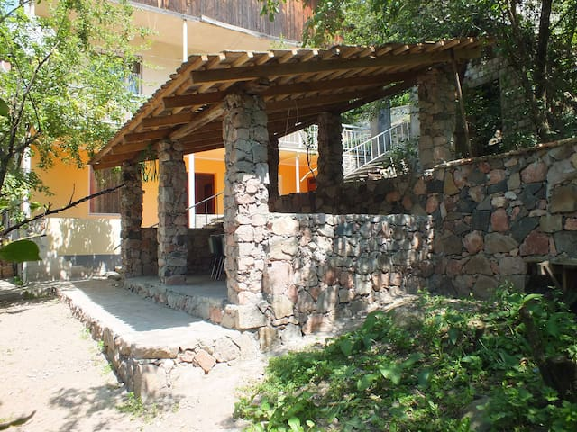 B&B OLD DILI - Dilijan - Bed & Breakfast