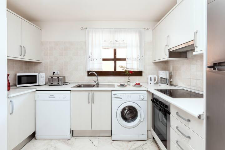 Luxury Villa - Kitchen