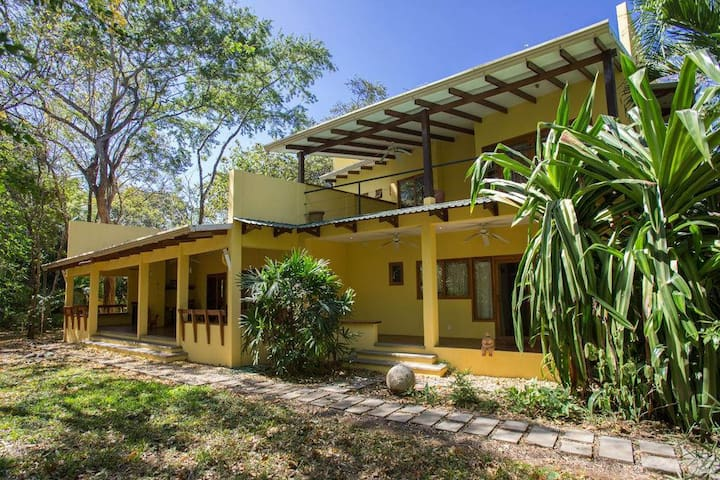 Large House Sleeps 6 3/3 Palm Beach Estates w POOL - Guanacaste - Rumah