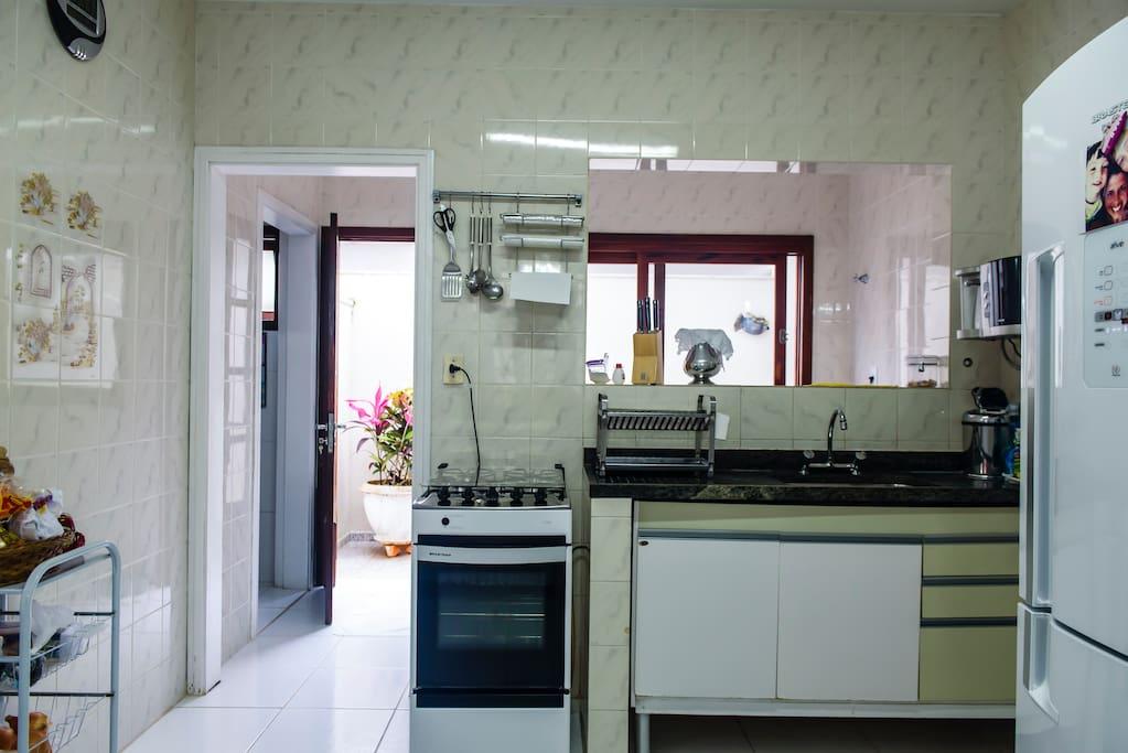 Detalhe da cozinha e lavanderia