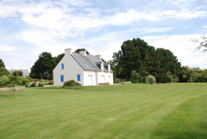 Maison avec grand jardin et plages à proximité. - Saint-Philibert - Huis