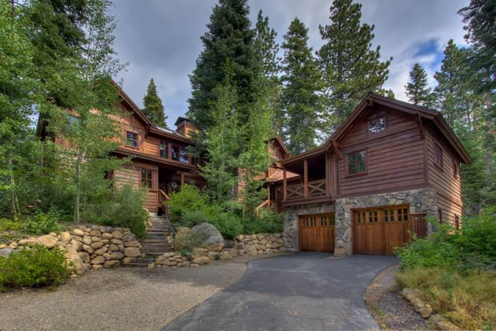 Ward creek cabin houses for rent in tahoe city for Rent a cabin in lake tahoe ca