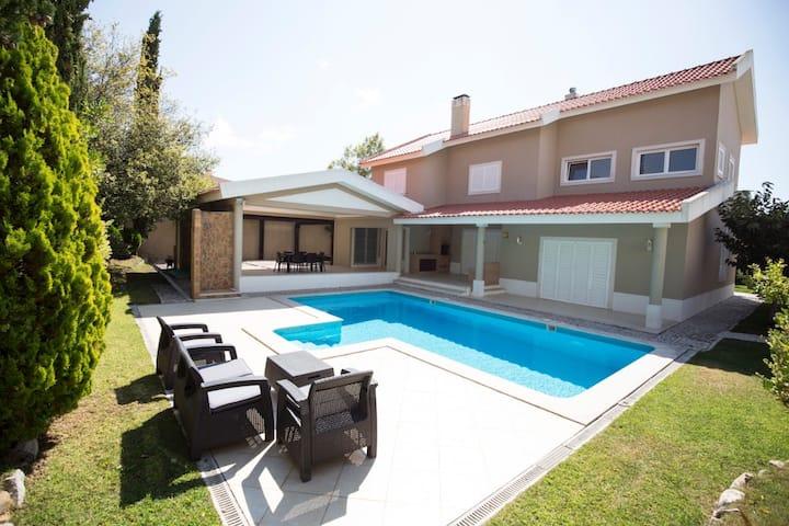 Ada Villa, Sintra !New!