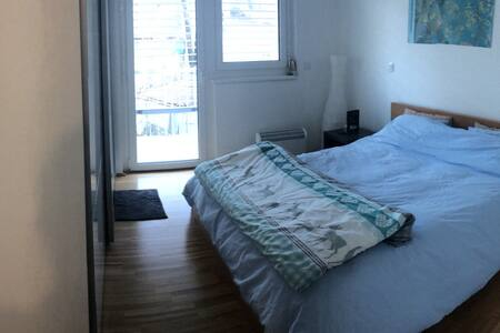 Schloss VERDíN (1 room with lovely terrace) - Wenen - Appartement