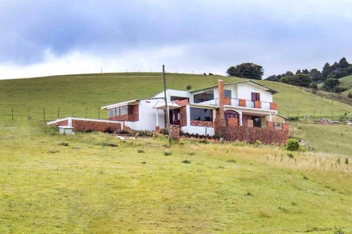 Hermosa Casa de Campo en Suesca - Luz de Luna-