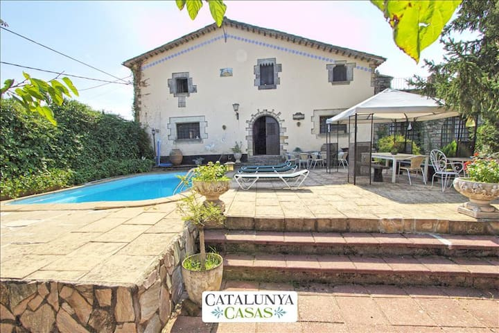 Countryside Villa Campdora for 14 right outside of Girona! - จิโรน่า - วิลล่า