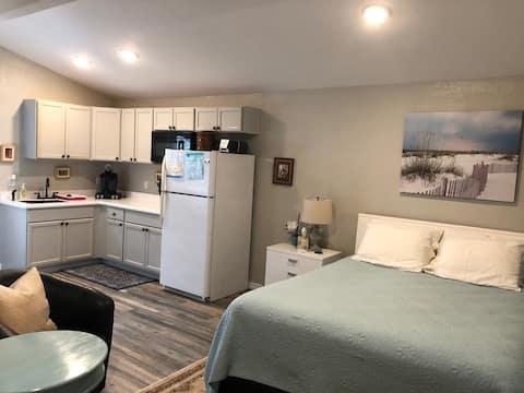 New Smyrna Beach Inn-Guest House