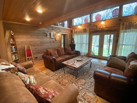 Cabin on the Creek.Tx near Waco Find us on FB
