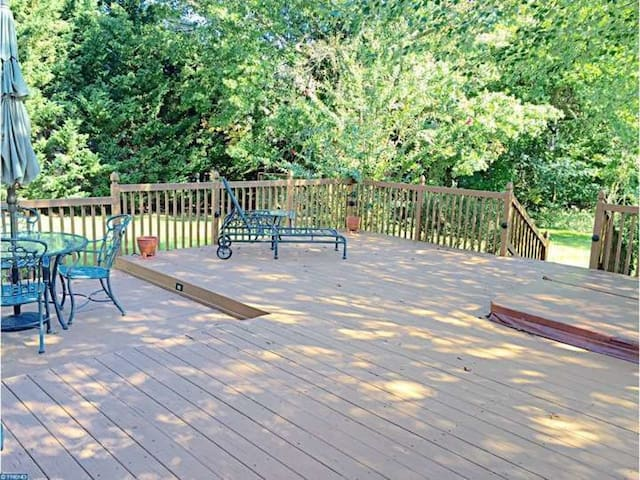 Private Rm & Bath in Spacious Lawrenceville Home - Lawrence Township - Σπίτι