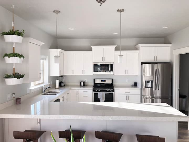 Super Clean and New Home Near Downtown Provo