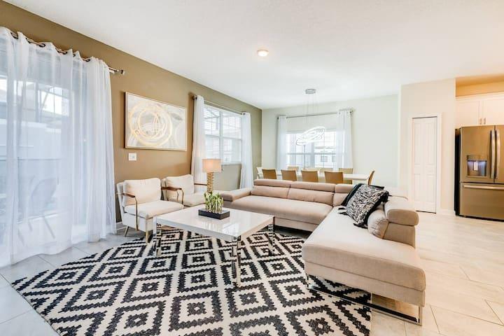 Deluxe 5 bedrooms villa - Storey Lake