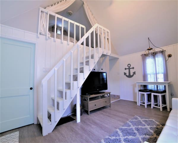 Cozy Rehoboth Beach Cottage with Easy Access