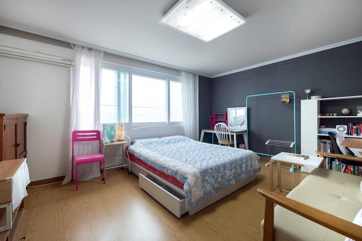 AT center,KOTRA, close to Gangnam, Female only