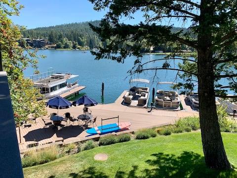 Gorgeous Condo on Flathead Lake with a Spa Tub!