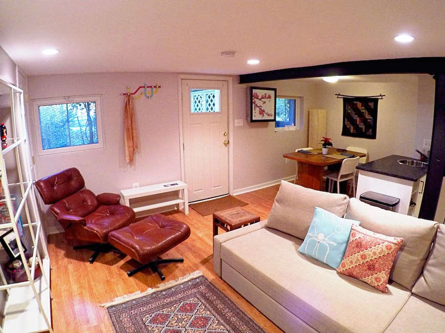 Park side! Capitol Hill Guest suite - Guest suites for Rent in ...