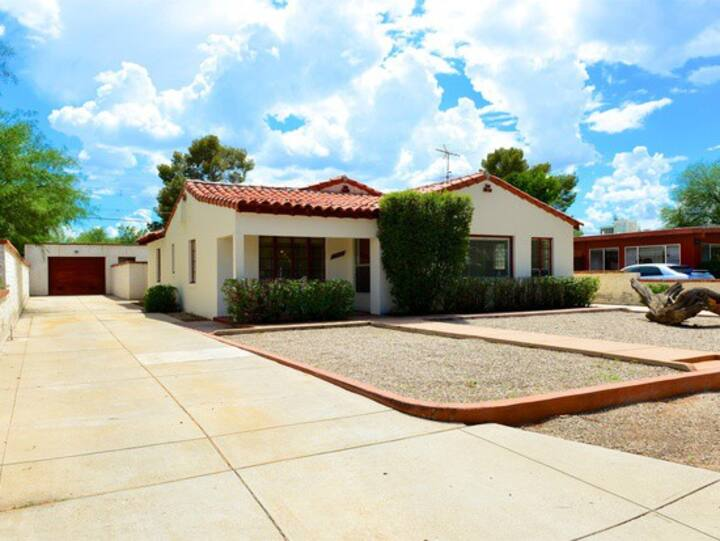 Historic Midtown Bungalow with pool & RV parking.