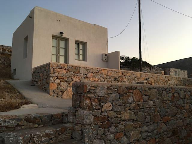 Christina's Holiday Villas Folegandros - Villa A1