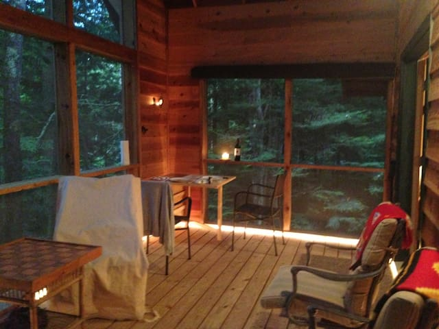 Boreal Forest Retreat - Bayfield - Cabaña