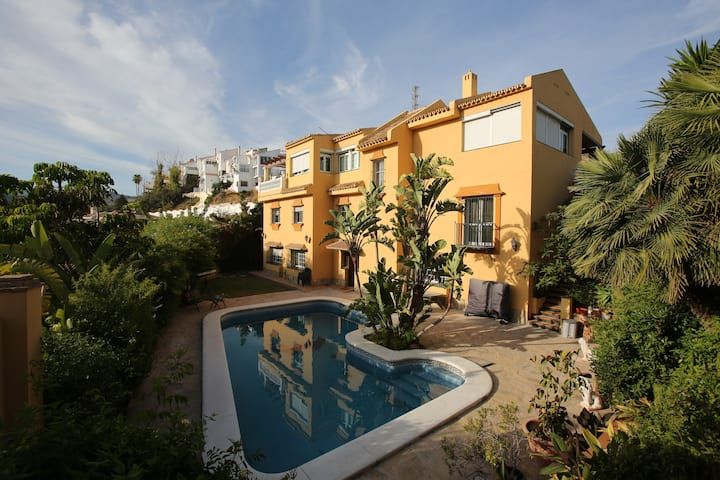 Casa del Golf - 10 minutes walk from the beach