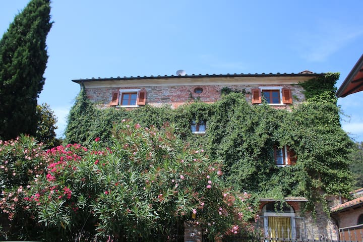 Villa Passiflora | family house close to the sea - Bocca di Magra - Villa