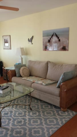 Comfy LBI Condo close to beach & bay - Ship Bottom
