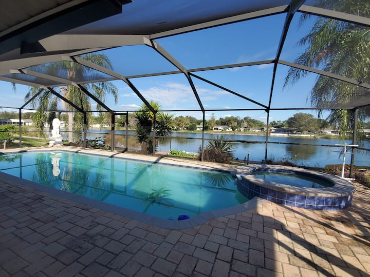 TROPICAL WATERFRONT HEATED POOL/SPA HOME BY BEACH