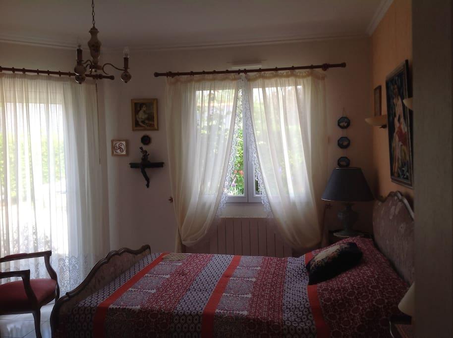 chambre appartement principal T2 - lit 2 places