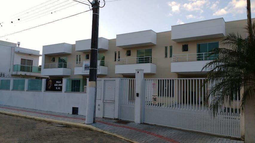 Casa aluguel temporada - Itapema - Haus