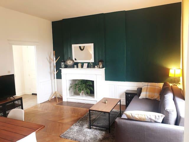 Grand appartement dans une partie du manoir