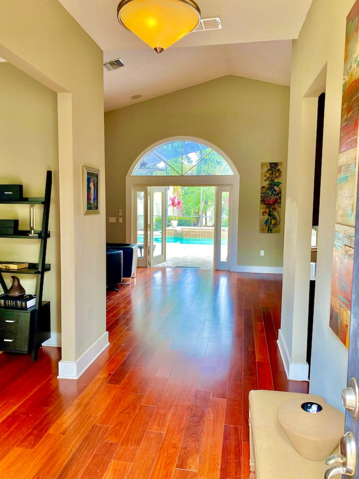 Exquisite Bay Hill Home, 10-20 min to attractions