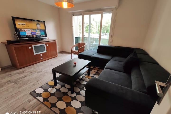 Appartement F4 refait proche université
