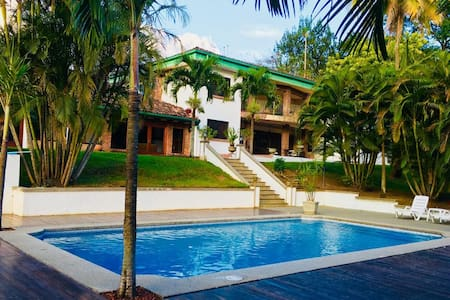 Costa Rica House, Free Airport Transfer 16+ guests
