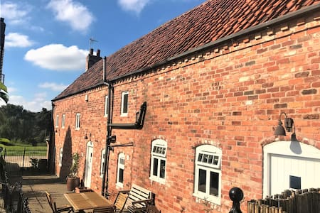 The 616 Barn Hens & Stags welcome. Sleeps 14