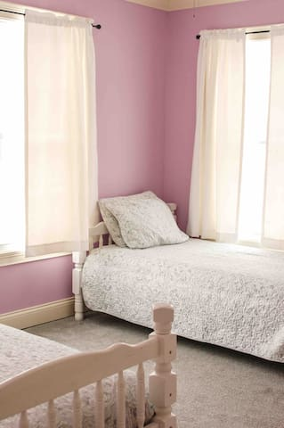 Girls room Two twin beds