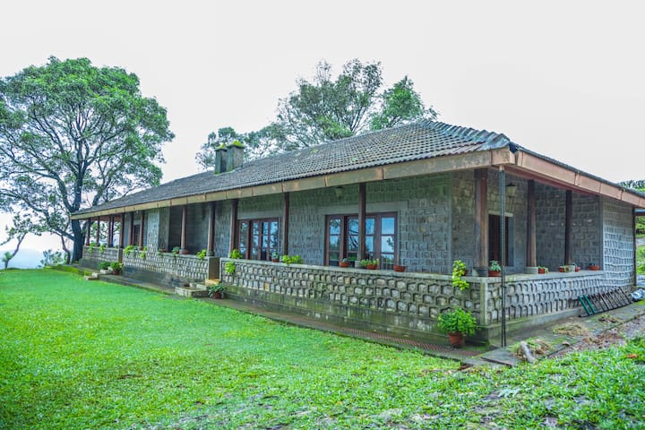 Sinnadorai's  Bungalow, Valparai - Unit 5