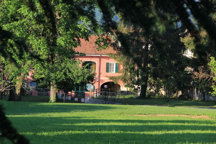 Historical mansion convenient to Barolo, Langhe