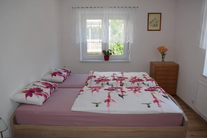Ferienwohnung Völker, (Haslach im Kinzigtal), Ferienwohnung 80qm, 2 Schlafzimmer, max. 4 Personen